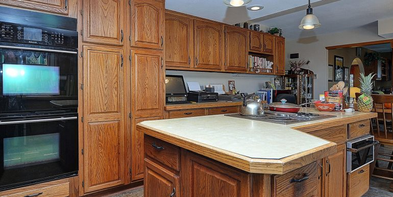 6720 Paradise Rd Salida CO-large-010-18-kitchen2-1500x986-72dpi