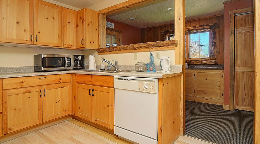 245 E Hwy 50 Salida CO 81201-large-008-017-kitchen-1500x981-72dpi