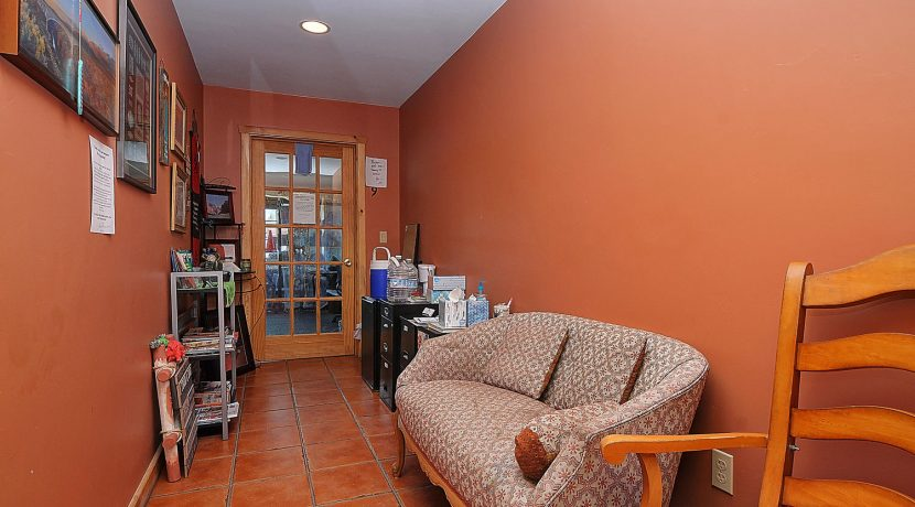 245 E Hwy 50 Salida CO 81201-large-016-020-office waiting area-1500x996-72dpi